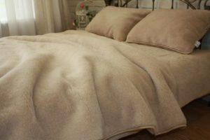 купить одеяла и наматрасники